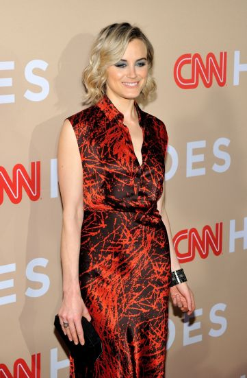 taylor-schilling-at-cnn-heroes-2015-in-new-york-02
