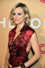 taylor-schilling-cnn-heroes-2015-at-the-american-museum-of-natural-history-in-nyc_1