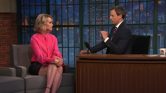 Taylor Schilling Does Her Best Boston Accent - Late Night with Seth Meyers.mp4_20160110_132027.939