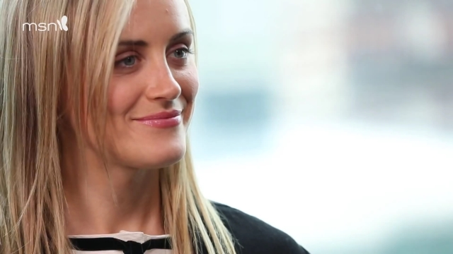 MSN Meets Taylor Schilling & Jason Biggs.mp4_20160309_072014.781