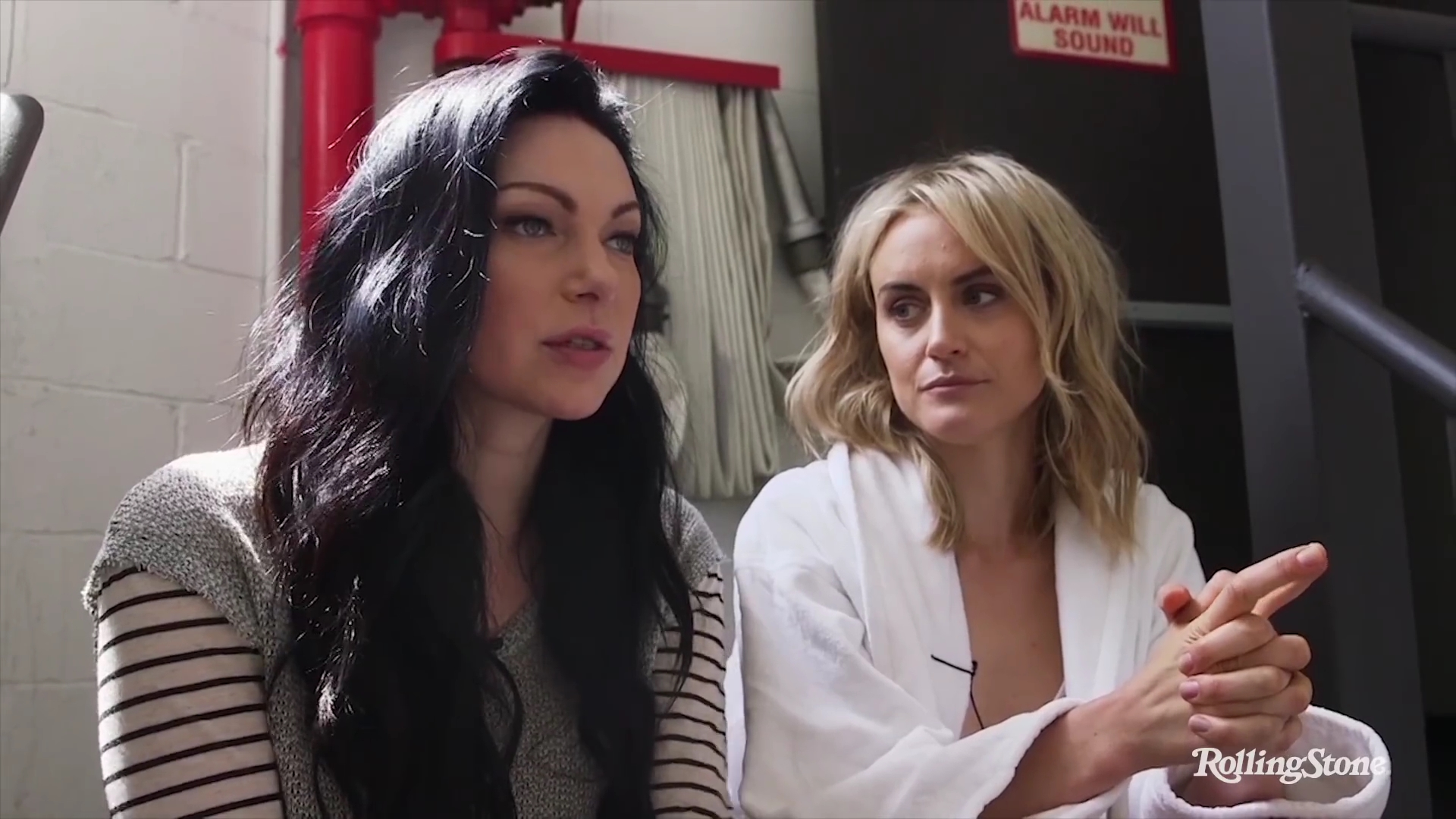 Taylor schilling and laura prepon orange is the new black 2