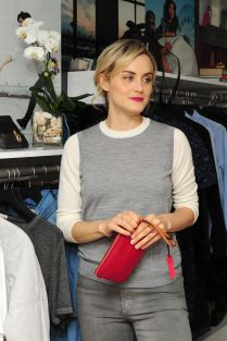 taylor-schilling-at-gap-s-dressnormal-project-in-brooklyn_1